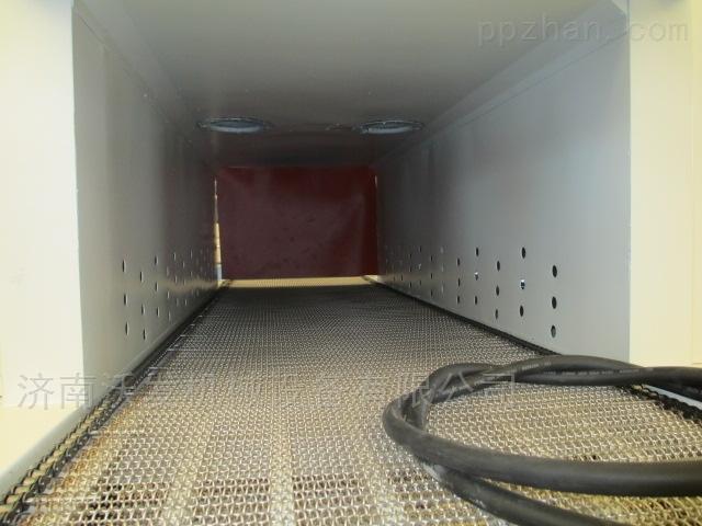 沃发机械新型机油桶袖口式套膜包装机